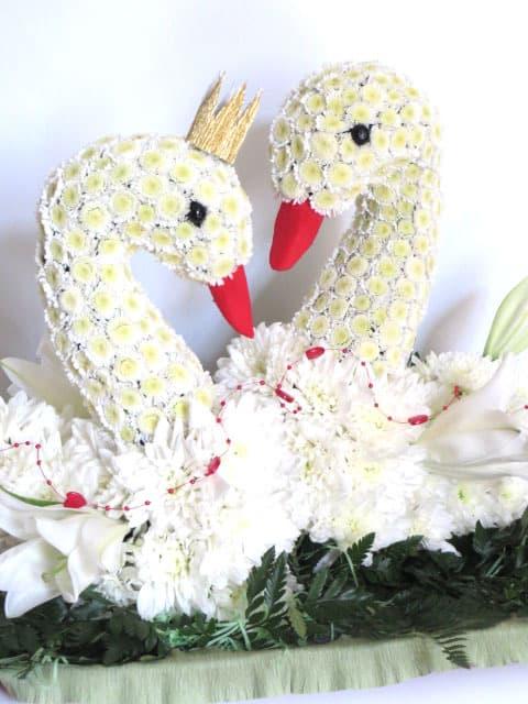 Стабилизированные, лебедей из цветов купить на украине